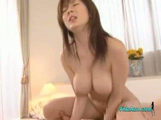 बस्टी एशियन गर्ल getting उसकी पुसी गड़बड़ कठिन फेशियल पर the बिस्तर