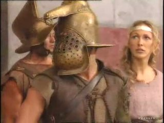 Rita faltoyano met een gladiator pt2