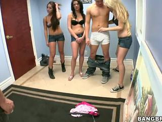 3 guys satu gadis porno