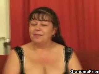 Plinuta matura gagica takes two cocks la dată