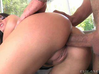 Super seksualu ir karštas milf enjoys getting jos šlapias crack pounded sunkus