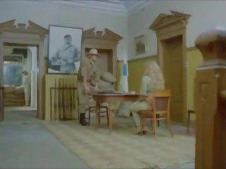 The sieviete cietums camp 1980 vergs wifes milfs: bezmaksas porno 00