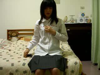 Włochate chińskie dziewczyna na kamera wideo