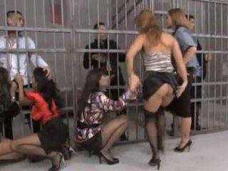 Fin grupp orgia i fängelse
