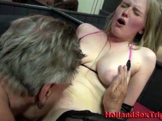 Prostytutka gets lizanie tyłka i wytrysk
