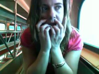 I kuq nxehtë bird në një treni