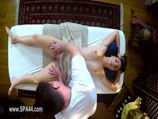 Sangat tricky spa dari lapar masseur