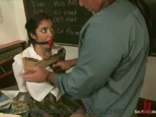 Sexy aluna learns novo lesson
