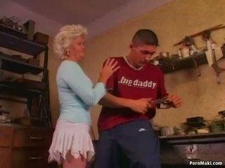 Kuum vanaema effie loves anaal