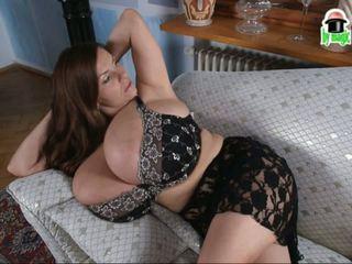 Morph bonanza: groot natuurlijk tieten hd porno video- 2b