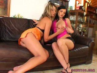 Angelic prostitutas caroline gaiola feels o heat e receives perverso com um fascinating amigo