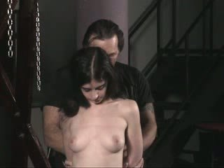 Sad sklave nackt mädchen im rope gets sexually hart rangenommen