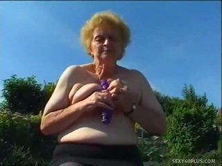 Възрастни donna вътре чорапогащи has голям joystick