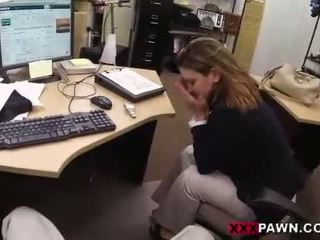 Foxy businesslady gets perseestä