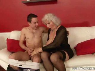 Lusty vollbusig oma ficken mit ein junge