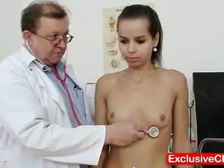 Nhỏ latina ferrara gomez âm hộ checkup lên gần