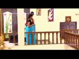 South waheetha karstās aina uz tamil karstās filma anagarigam.mp4