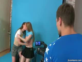 Lora un jazzy kārdināšana cameraman