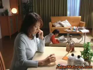 Uzbudinātas japānieši pieauguša babes nepieredzējošas part2
