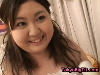 Fat Hitomi Matsumoto Gets Her Pussy