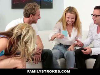 Familystrokes - rodzina gra noc orgia
