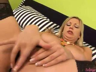 Filthy nackt carol goldnerova fills sie muschi mit sie wild fingers til sie cums