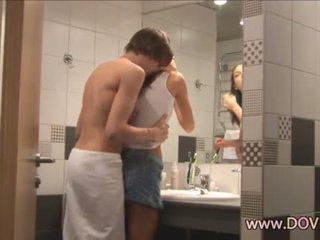 Príťažlivé sex v the kúpeľňa