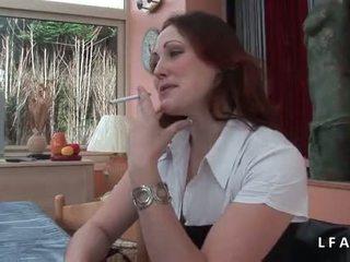 Jolie rousse francaise se fait defoncer le petit cul avant un bon sejas masāža