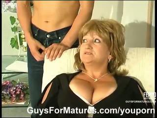 كبير الثدي, ألماني, الامهات وبنين