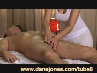 Danejones 美しい ボインの masseuse takes 介護 の あなたの オーガズム