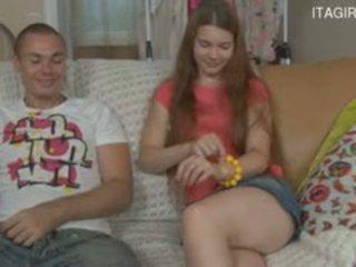 Itališkas mama ir sūnus sperma į subingalvis