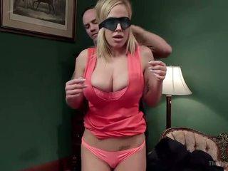 Matrigna e figlia offerta disobedient holes - porno video 401