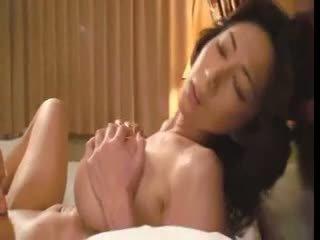 Heet rondborstig aziatisch teef sakura sena video-