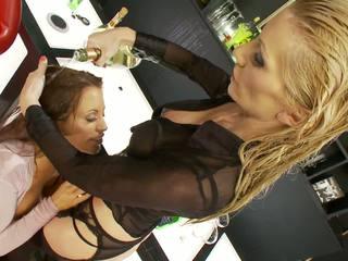 blondīnes, grupu sekss, big boobs