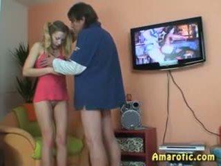 ישן אדם - צעיר נערה: חופשי נוער פורנו וידאו 13