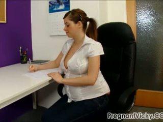 בהריון vicky 10 מן pregnantvicky(dot)com