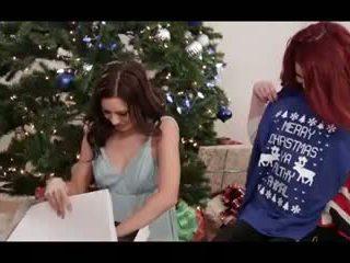 A ziemsvētki stāsts 3: bezmaksas lesbiete porno video a5
