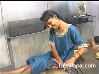 Indieši aunty karstās sekss ar vīrs brālis dewar bhabhi