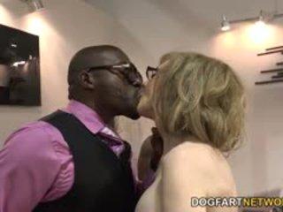 Nina hartley fucks schwarz guys für votes