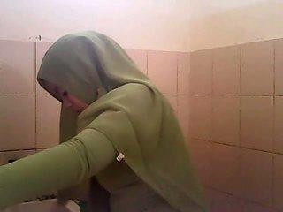 Taşak avlama gagal jilbab hijau