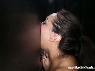 brunetta, sesso orale, deepthroat