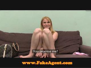 Fakeagent blondine russisch beauty