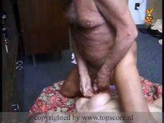 Caldi giovanissima gets scopata da nonno