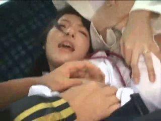 أم و ابنة violated في حافلة
