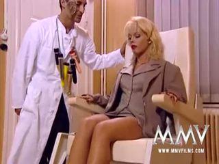 Mmv films sexy rondborstig babes in de bathtub