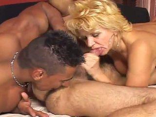 Velika biseksualno porno scene