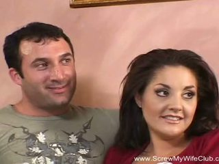 Brunette swinger mom aku wis dhemen jancok fucks new man