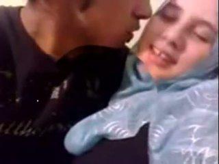 आमेचर dubai हॉर्नी hijab गर्ल गड़बड़ पर घर - desiscandal.xyz