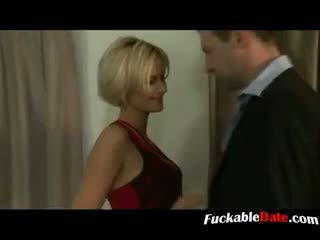 Blondi ranskalainen whore olla kolmikko ja gets double