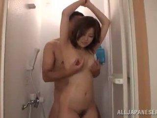 Japanilainen pair has a douche ja has xxx sisään the living huone